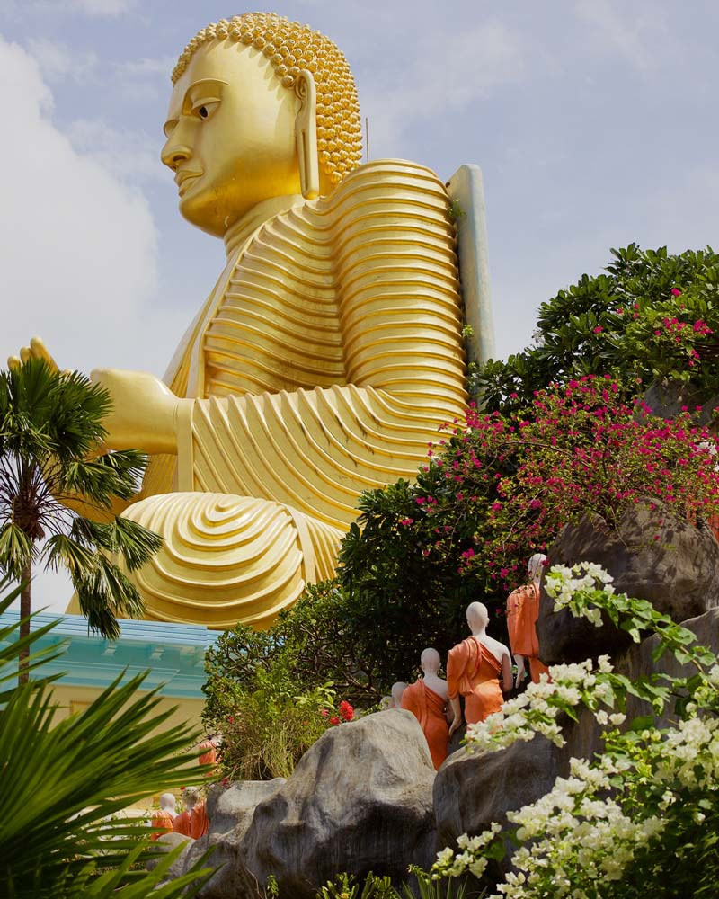 essays about sri lanka tourism