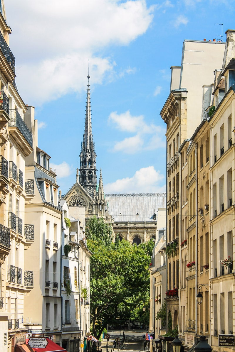 "tourism in paris essay The wttc said that it expects paris ""to return quickly to normal visitor levels"" that's good news for france, where 9% of its gdp and 10% of total employment are tied to tourism ."