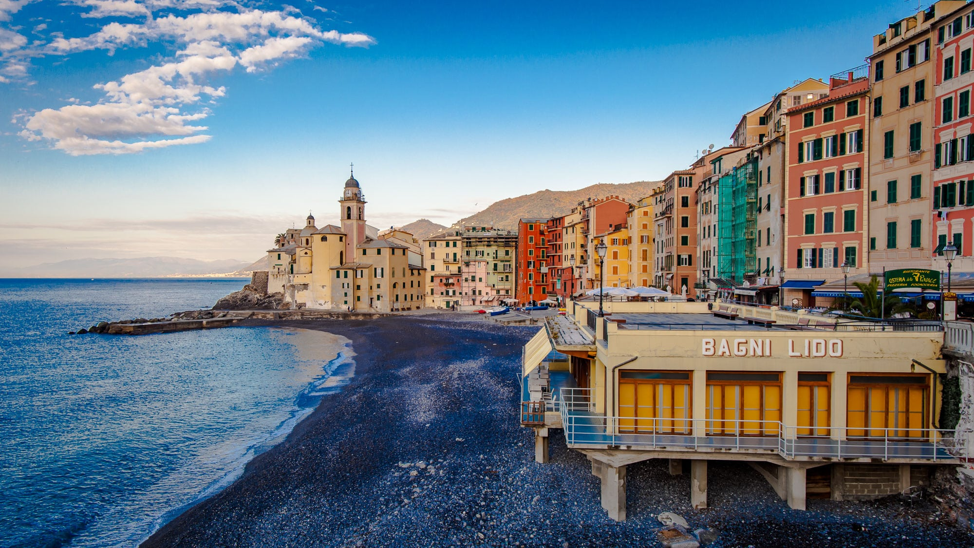 Camogli italy the village hidden behind portofino for Good places to go fishing near me