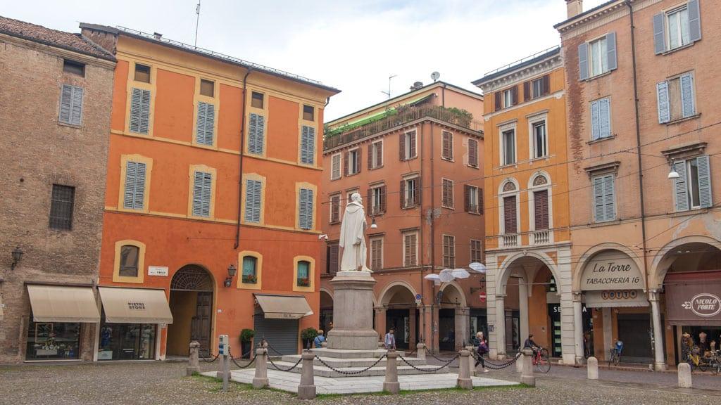 Modena Square