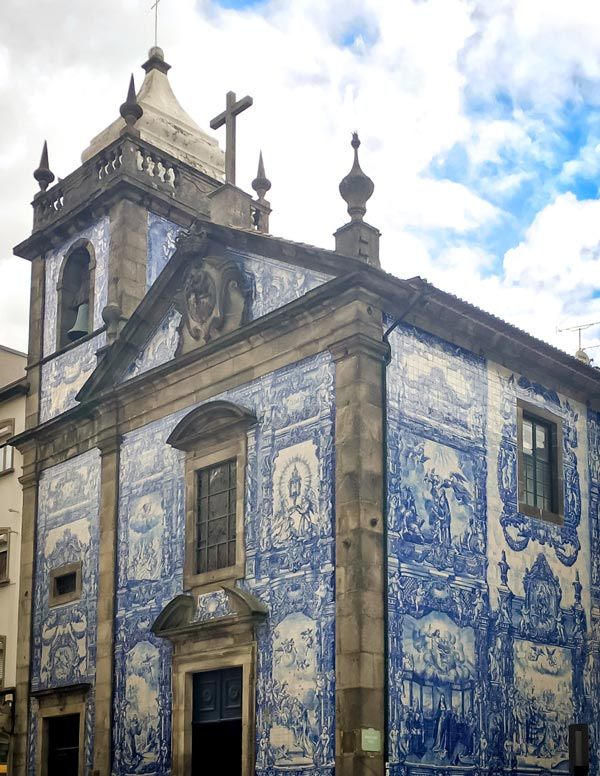 Church in Porto with blue tiles