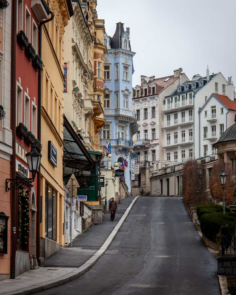 Karlovy Vary streets leading up to pastel coloured houses