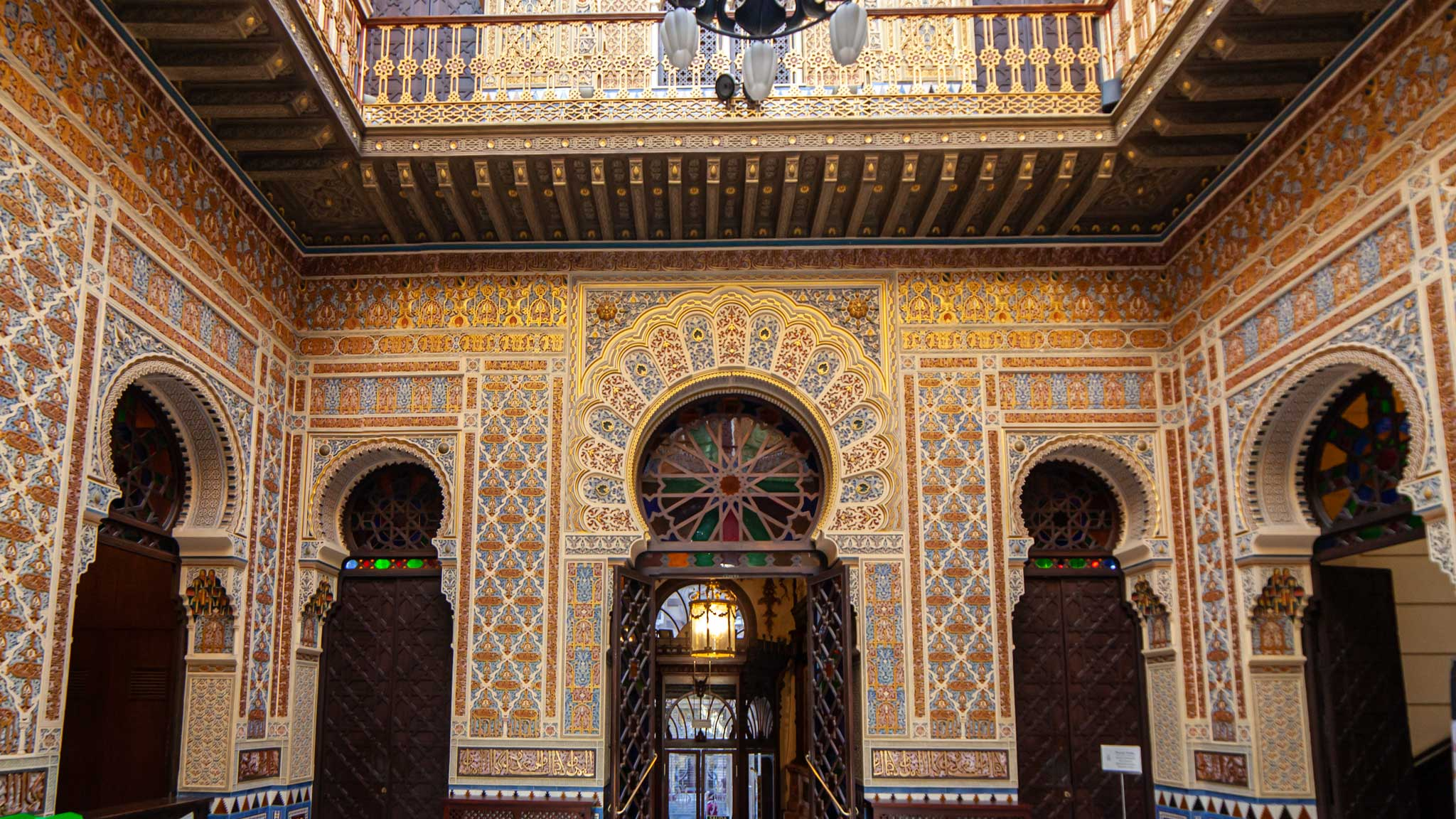 The amazing islamic tiling in the Real Casino of Murcia